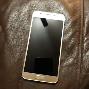 Samsung Galaxy J7 for Sale in St. Louis, MO