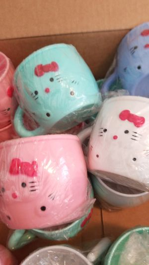 14 hello kitty cups. for Sale in San Diego, CA