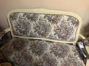 Antique sofa 🛋 & 2 🪑 🪑 chairs for Sale in Hiram, GA