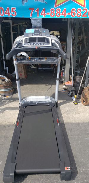 Pro-form trainer 10.0 treadmill 350lbs weight Capacity great cardio machine for your home gym for Sale in Anaheim, CA