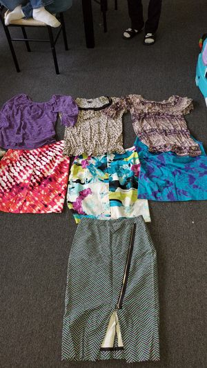 Free woman clothing size 6 petite for Sale in Los Angeles, CA