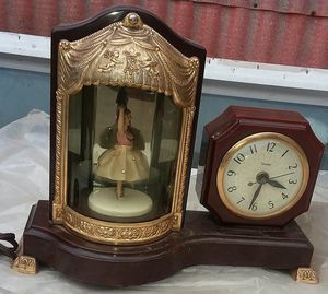 Antique UNITED brand ballerina clock for Sale in Clearfield, UT