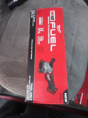 """MILWAUKEE M18 FUEL BRUSHLESS 4 1/2""""-5"""" GRINDER NEW NUEVO TOOL ONLY💥👍🔥🔥🔥 for Sale in Las Vegas, NV"""