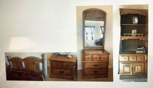 Bedroom Set - 6 pieces, Queen or Full Broyhill Premier Wood for Sale in Rockwall, TX