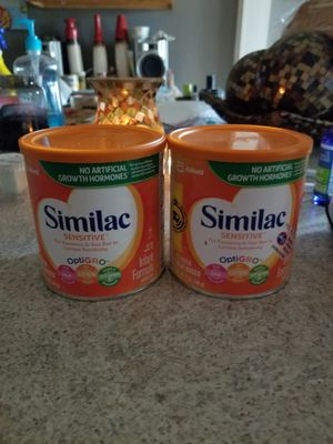 Similac sensitive. 2 cans for Sale in Knoxville, TN