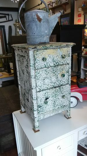Antique accent table for Sale in Saltsburg, PA