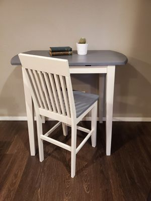 Bar height desk/table & chair for Sale in Woodburn, OR