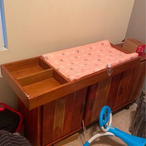 Baby Changing Table for Sale in Signal Hill, CA