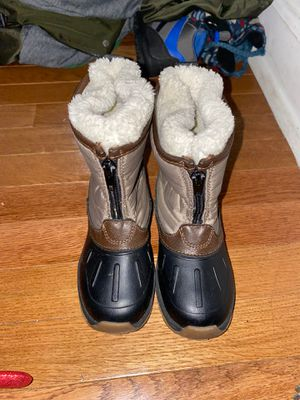 Snow boots kids 10 for Sale in Chicago, IL