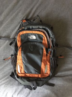 The North Face Yavapai backpack for Sale in Sacramento, CA