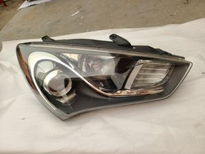 2013 - 2016 Hyundai Génesis Coupe headlight xenon HID passenger side oem parts for Sale in Los Angeles, CA