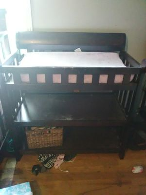 Crib and changing table for Sale in Nashville, TN