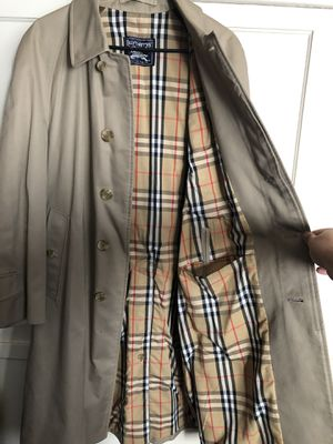 Burberry Trench Coat for Sale in Ontario, CA