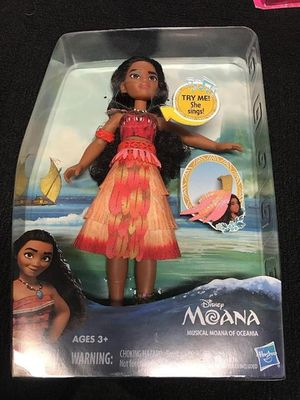 Disney Moana 10'' Doll Toy Light Up Necklace Musical Sings How Far I'll Go Brand new in package Sings for Sale in Ventura, CA