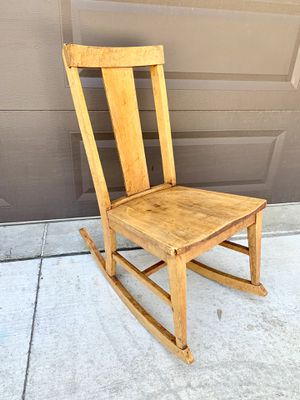 Small antique rocking chair from the early 1900's for Sale in Bountiful, UT