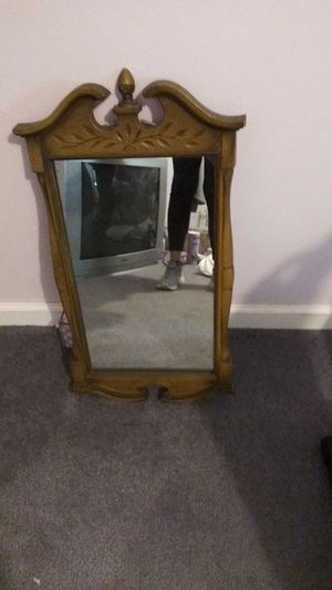 ANTIQUE WOOD MIRROR for Sale in Muncy, PA