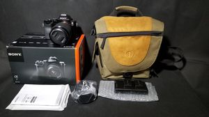 Sony Alpha a7 Mirrorless Digital Camera with FE 28-70mm f/3.5-5.6 OSS Lens for Sale in Hanover Park, IL