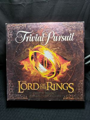 Trivial pursuit lord of the rings collectors edition all pieces are includes for Sale in Zanesville, OH