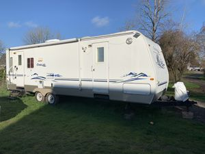 31ft Keystone, Cougar Travel Trailer for Sale in Eugene, OR