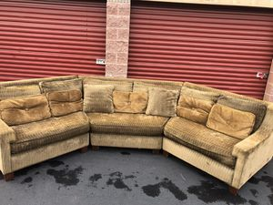Gorgeous sectional in excellent condition for Sale in Kirkland, WA
