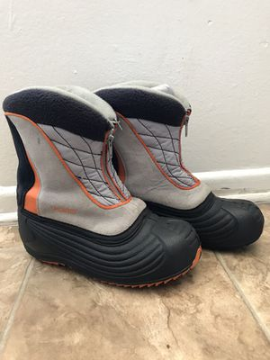 Sporto snow boots size 2 kids for Sale in Buena Park, CA