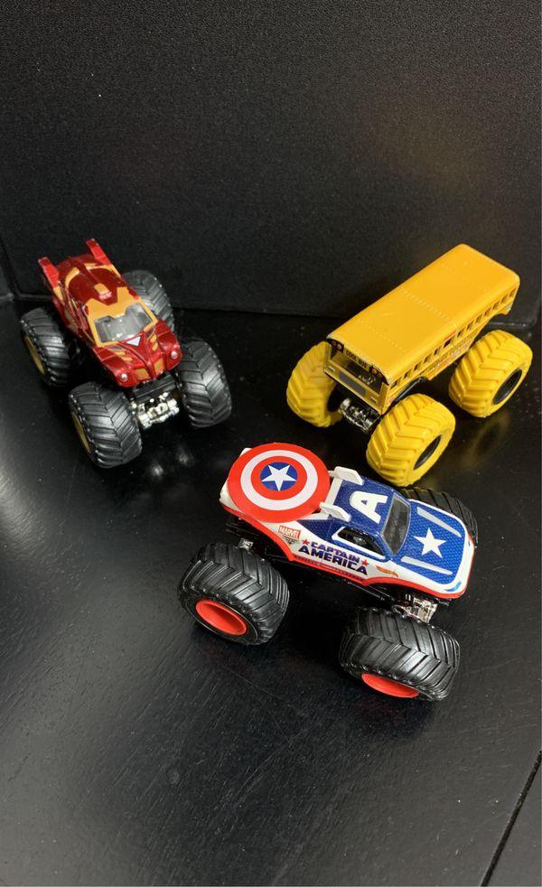 MONSTER JAM Die-Cast Trucks