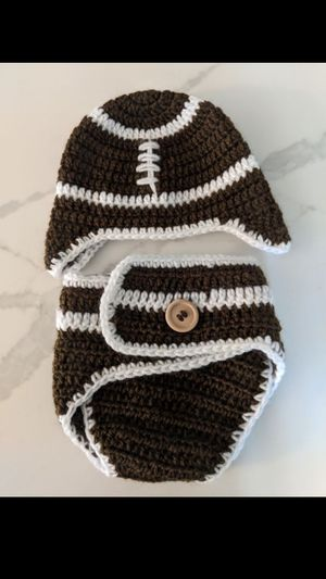 Newborn photoshoot football beanie and diaper cover for Sale in Puyallup, WA