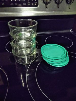 Set of 4 Pyrex glass Tupper Ware for Sale in Holiday, FL