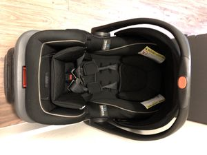 Graco Infant Car Seat w/ Base for Sale in Orlando, FL