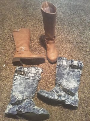 Girls size 1y tall boots for Sale in Suitland, MD