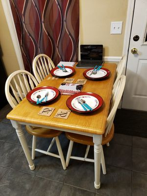 Kitchen table w/ chairs for Sale in Murfreesboro, TN