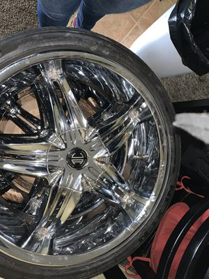 """22"""" rims and tires 5 lug nuts for Sale in Medford, OR"""