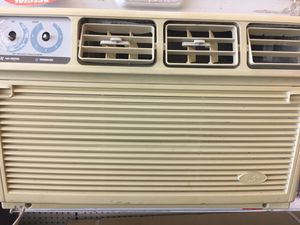 Whirlpool A/C 10,000 (cold air ) for Sale in Orlando, FL