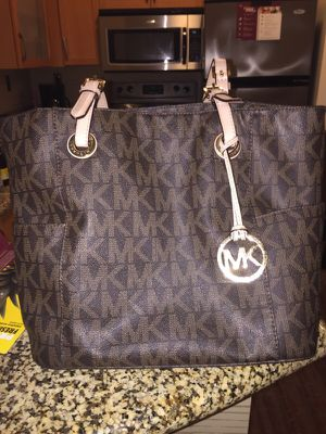 Authentic Michael Kors purse for Sale in Webster Groves, MO