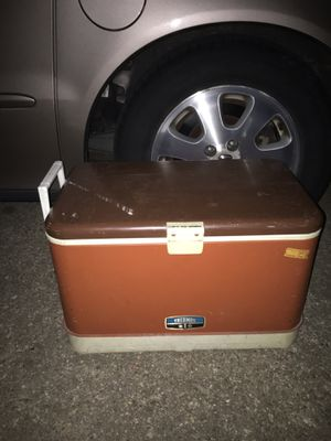 Nice large cooler only 20$ FIRM for Sale in Glen Burnie, MD