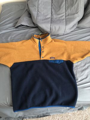 Patagonia men's lightweight synchilla Snap-T pullover for Sale in Austin, TX