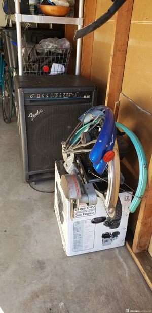 FenderBXR 300C Bass amp for Sale in Los Angeles, CA