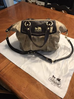 Coach Hand Bag. Includes Coach storage bag. for Sale in Orange, CT