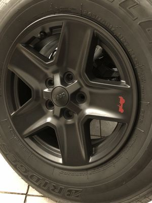Jeep Gran Cherokee 4x4 wheels /tires for Sale in Los Angeles, CA