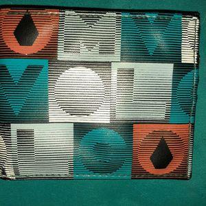 Volcom wallet for Sale in San Bernardino, CA