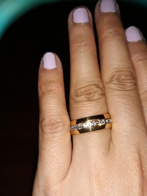 18 K Gold Plated Simulant Diamond Unisex Wedding Ring, Size 11. for Sale in Dallas, TX