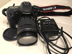 Canon 70D with 18-135 mm Lens. Great condition! for Sale in Chicago, IL