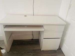 Office Desk and Chair for Sale in Miami, FL