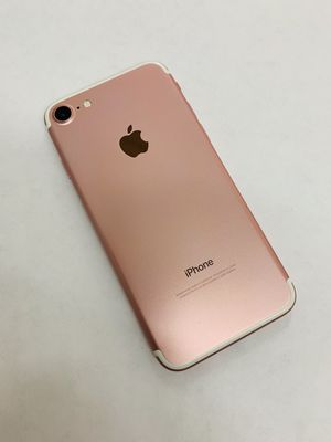 IPhone 7 (32 GB) Excellent Condition With Warranty for Sale in Cambridge, MA
