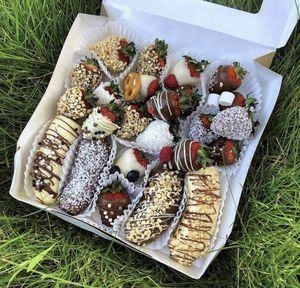 Strawberry 🍓 + bananas 🍌 + chocolate 🍫 =🤤🥰❤️ for Sale in Hallandale Beach, FL