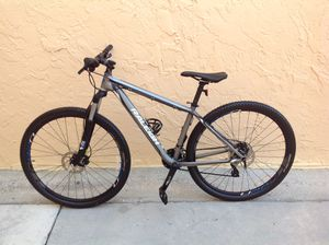 BICYCLE RALEIGH 24 SPEED EXCELLENT CONDITION for Sale in Miami, FL