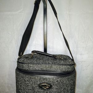 Black & Grey Travel/Toiletry Bag for Sale in Duluth, GA