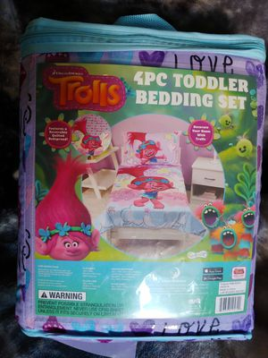 4pc Toddler Bedset for Sale in Boston, MA