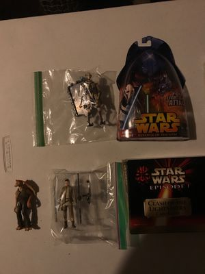 Lot of loose Star Wars Action figures and collectibles for Sale in Hamilton, OH