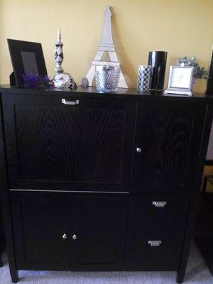 Blk Secretary new very nice for Sale in St. Louis, MO